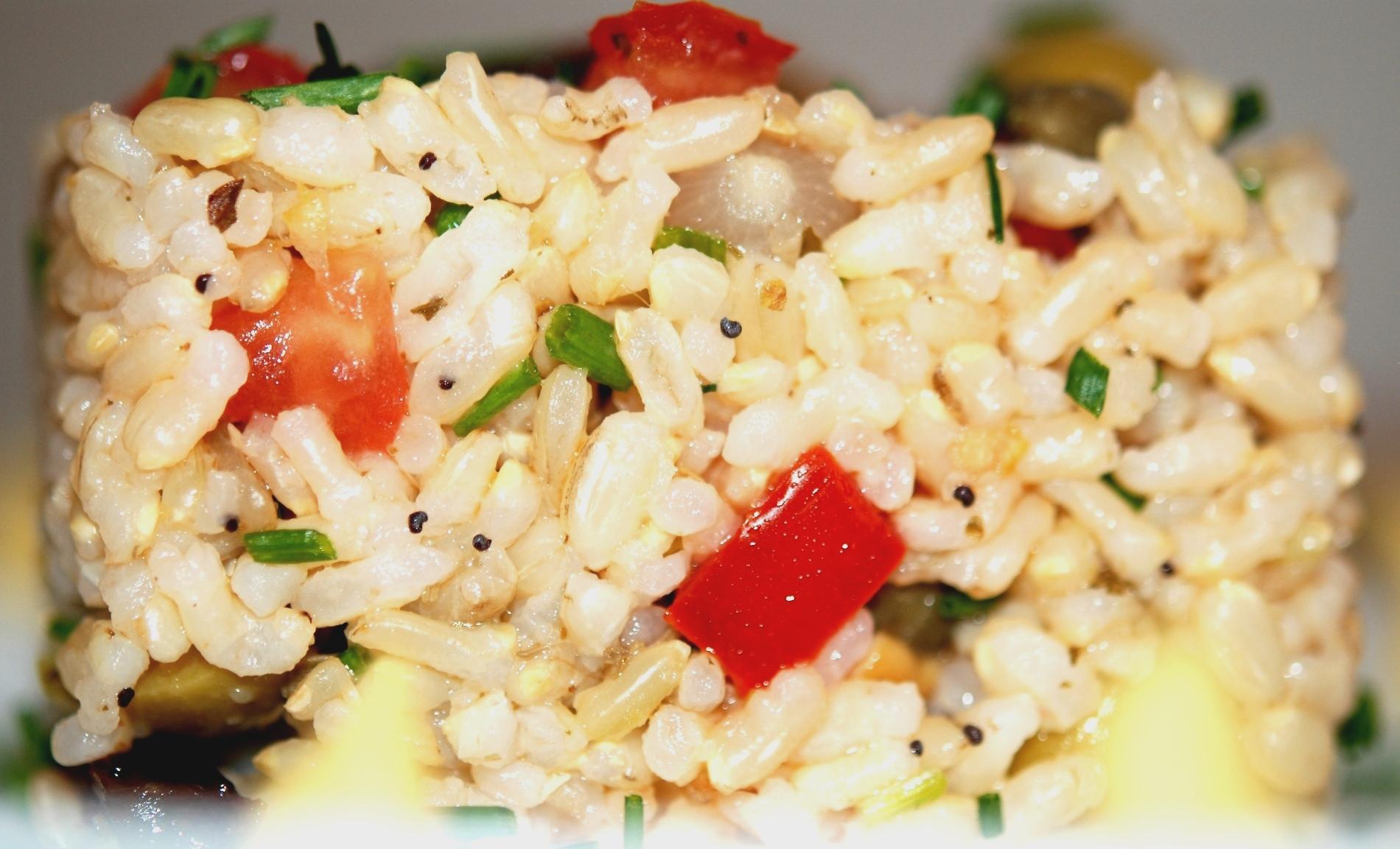 Insalata di riso con noci