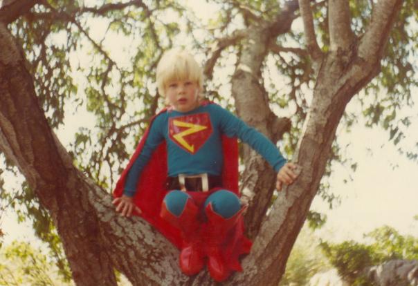 Il giovane Superman Senza Glutine prima di spiccare il volo