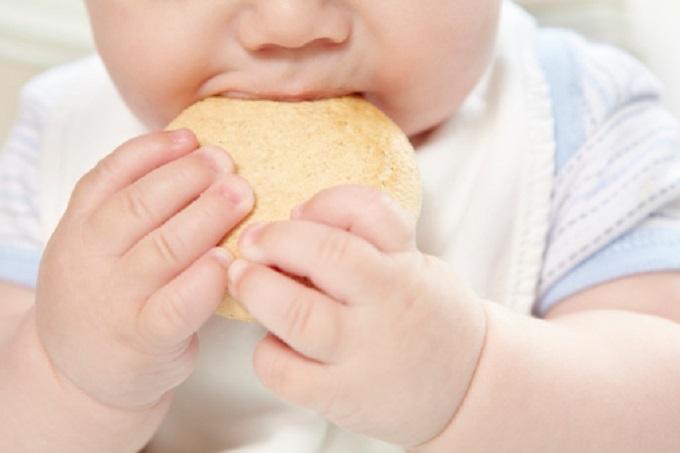 Se il bimbo ha il diabete 1, occhio anche alla celiachia