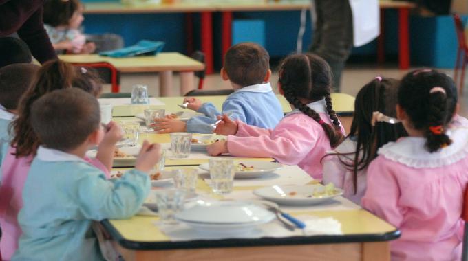 La mensa scolastica per i bimbi celiaci a Bari costa il triplo