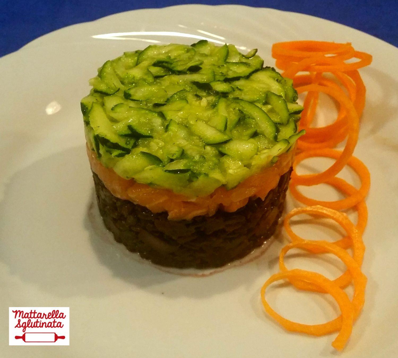 Riso nero con salmone e verdure