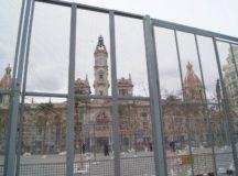 Plaza del Ayuntamiento preparada para la Mascletà