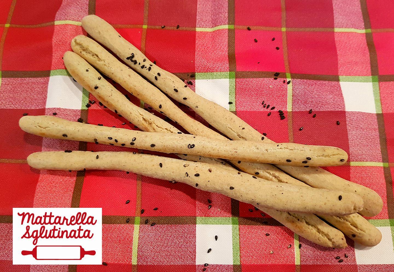 Grissini con grano saraceno e semi di sesamo tostato