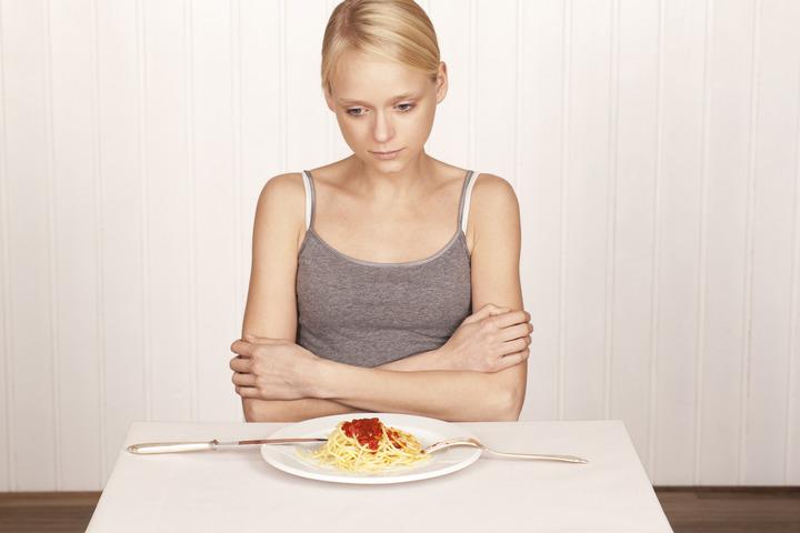 Celiachia e anoressia, studio conferma il legame: una può mimare l'altra