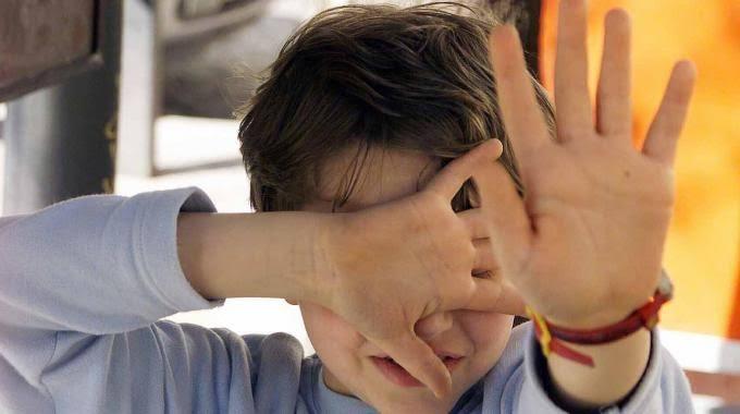 Scontro sulla celiachia del figlio: il tribunale toglie bambino di 10 anni alla madre