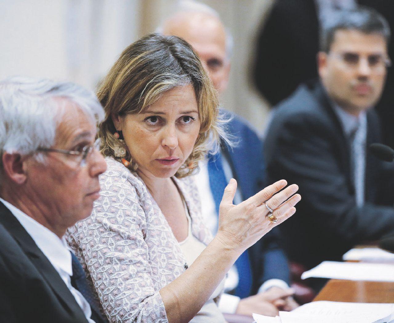 """Celiachia. """"Il ministro Grillo ha deluso le nostre aspettative: anticipati i tagli ai tetti di spesa. Regioni nel caos"""", la protesta dell'Associazione italiana celiachia"""