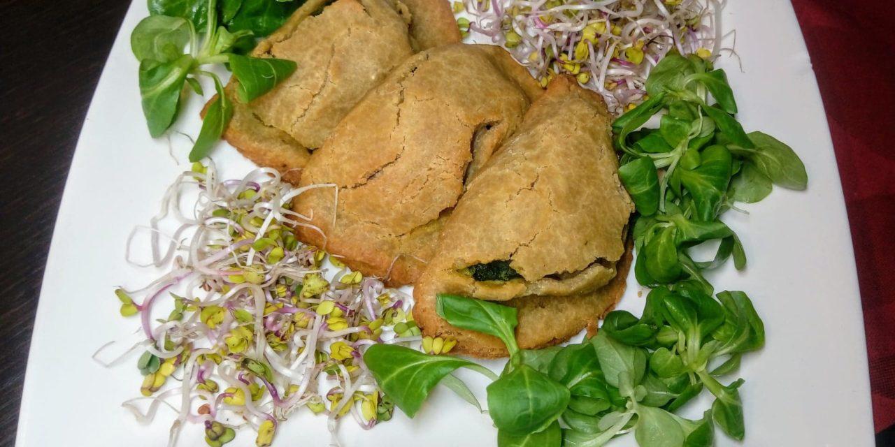 Panzerotti di quinoa ai porcini e spinaci