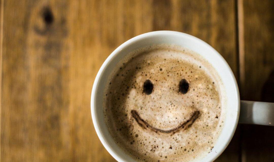 Un tuffo nel caffè latte