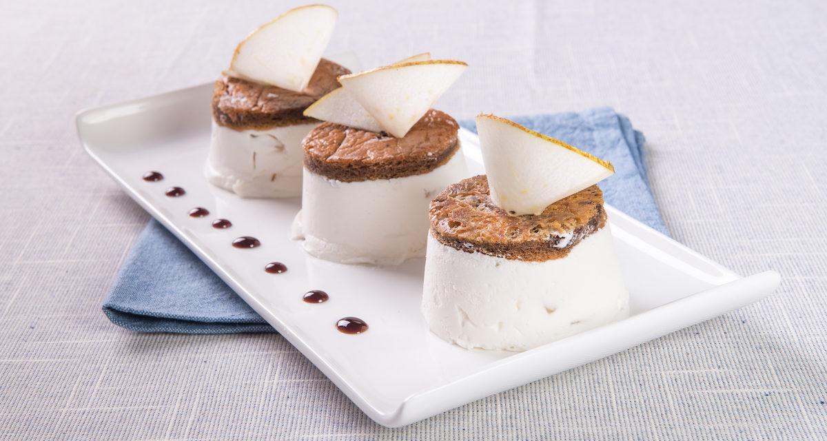 Semifreddo con ricotta e pera e bisquit al cacao gluten free